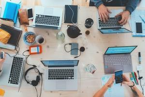 business-hands-computer-laptop